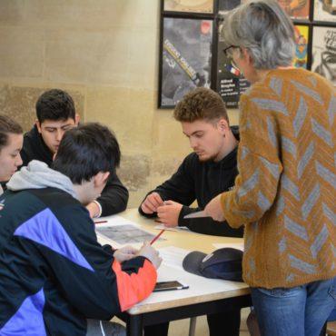 Un deuxième groupe s'élèves au travail autour de l'affaire Dreyfus