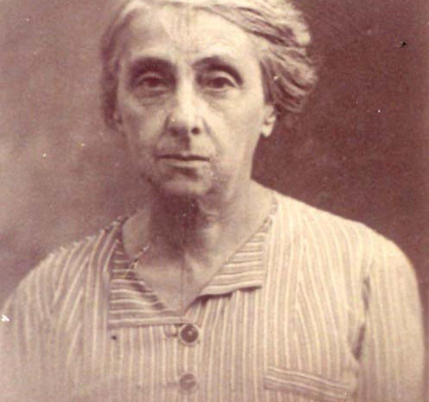 Esther Jeanne Mendes